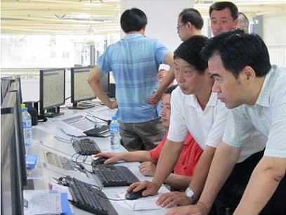 李志雄书记视察工业园区部分企业