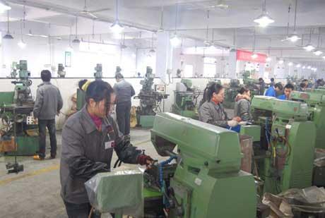 梁平:千余返乡农民工园区就业