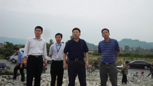 蒋宜茂、胡华超同志检查工业园区良种场片区房屋拆迁工作