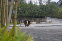梁平:实施城区无障碍通道改造 让市民出行更方便