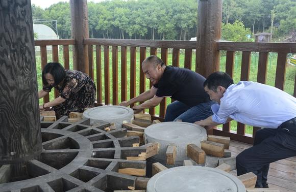 体验农耕文化。梁平区文化和旅游发展委员会供图 华龙网发